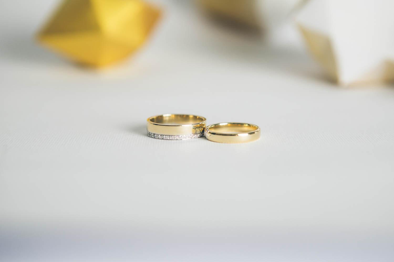 White & Gold Sarah, la scia di una cometa al dito